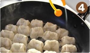 餃子のおいしい焼き方4