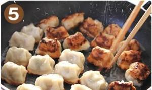 餃子のおいしい焼き方5