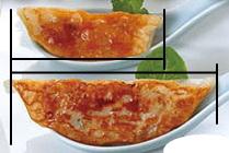 ジャンボ餃子は1.3倍の大きさです。